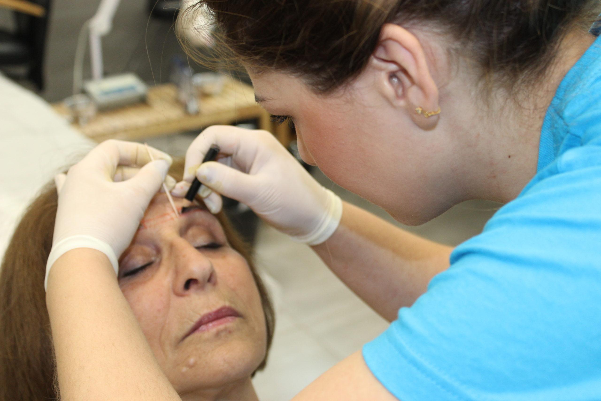 Tecnico En Micropigmentacion Y Tatuaje